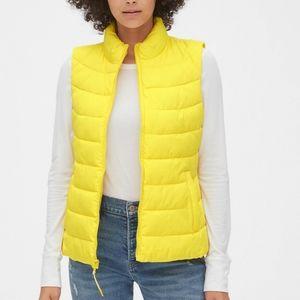 GAP Coldcontrol lightweight puffer vest NWT